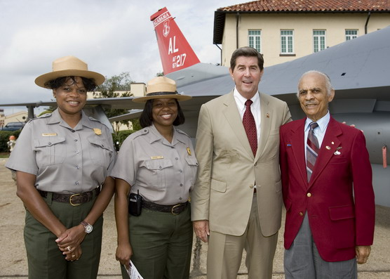 Site Mgr. Deanna Mitchell, Superintendent Catherine Light, Alabama Governor Bob Riley, Tuskegee Airman Lt. Col.(Ret.) Herbert E. Carter