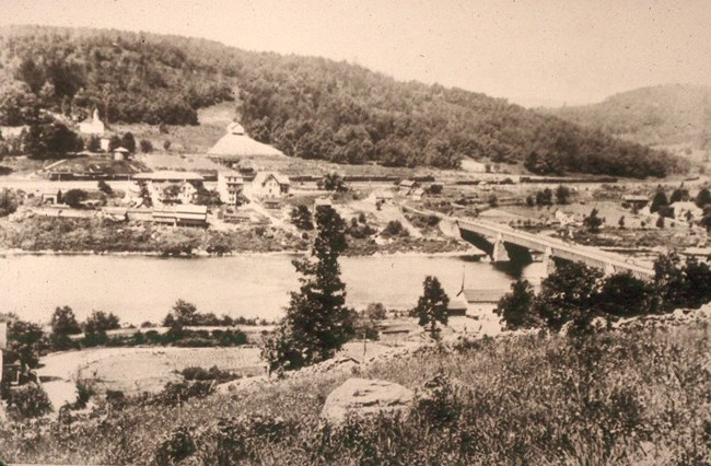 Historic Image of Roebling's Delaware Aqueduct