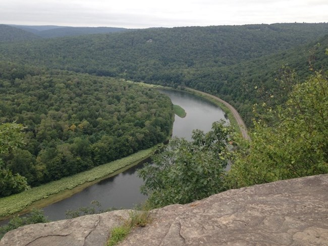 A view of the Upper Delaware River from the Bouchoux Tail.