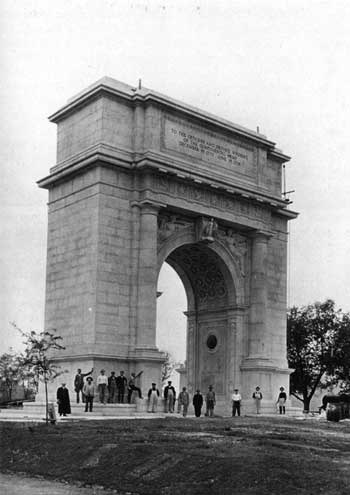 Fig. 12. National Memorial Arch. The park's largest monument was designed by architect Paul Philippe Cret and dedicated in 1917. Scaffolding suggests that the figures in the photograph may be workmen.