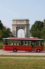 Trolley Tour in front of Arch