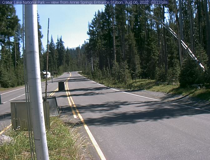 Annie Springs entrance webcam at Crater Lake NP