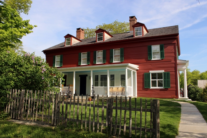 The Historic Weir House Attracts Visitors from Near and Far