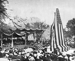 Rochambeau Statue and surroundings before unveiling, May 24, 1902.  DeB. Randolph Keim, Rochambeau: A Commemoration by the Congress of the United States of America of the Services of the French Auxiliary Forces in the War of Independence. Washington, D.C.: Government Printing Office, 1907.