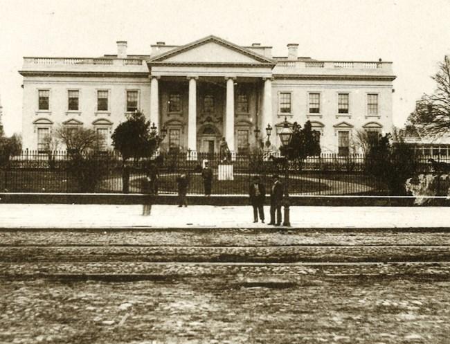Peachy White House Fence Construction Presidents Park White Home Interior And Landscaping Ymoonbapapsignezvosmurscom