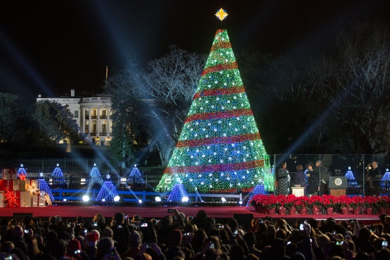 President Barack Obama, First Lady Michelle Obama, daughters Sasha and  Malia, and Marian - After The National Christmas Tree Lighting Festivities Continue