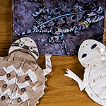 Image of o horney toad and two crafted horney toads made of paper.