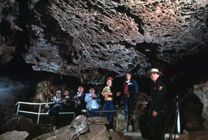 Ranger and young visitors on the Fairgrounds Cave Tour