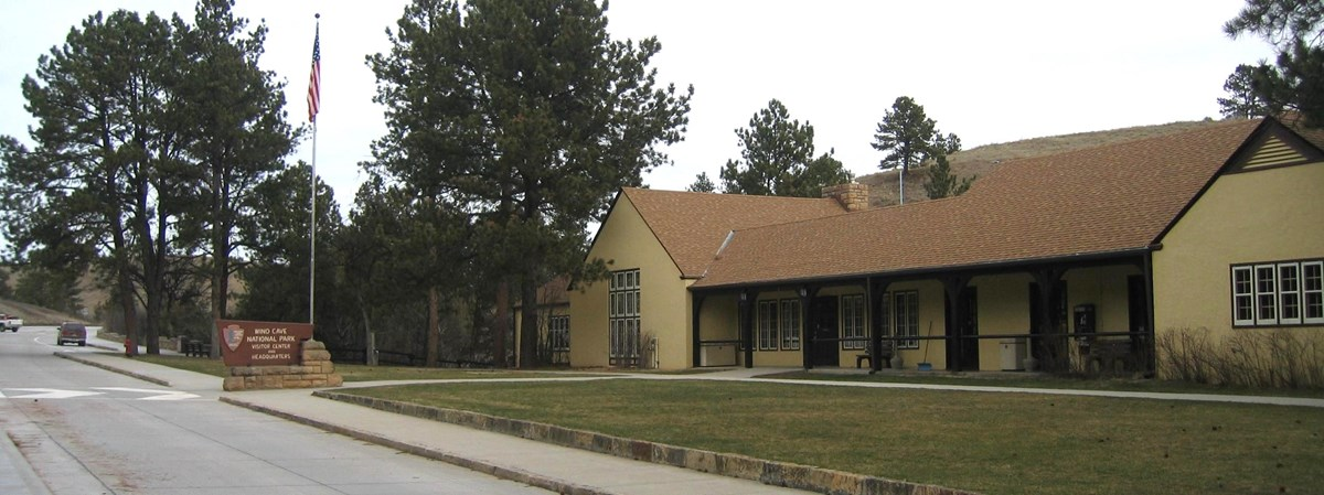The front of the Wind Cave Visitor Center