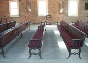 Wesleyan-Chapel-Pews-with-Cushions