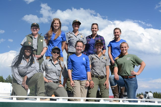 2016 Fisheries Crew - Women in Science