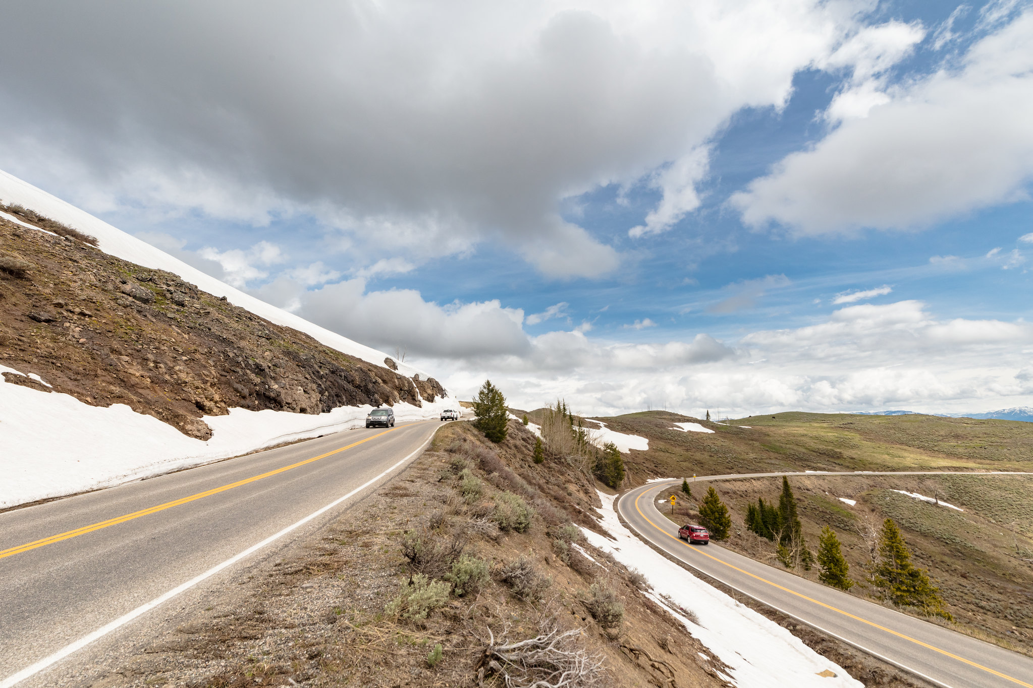 Dunraven Pass In Yellowstone closed to all travel - Yellowstone National Park (U.S. National Park Service)