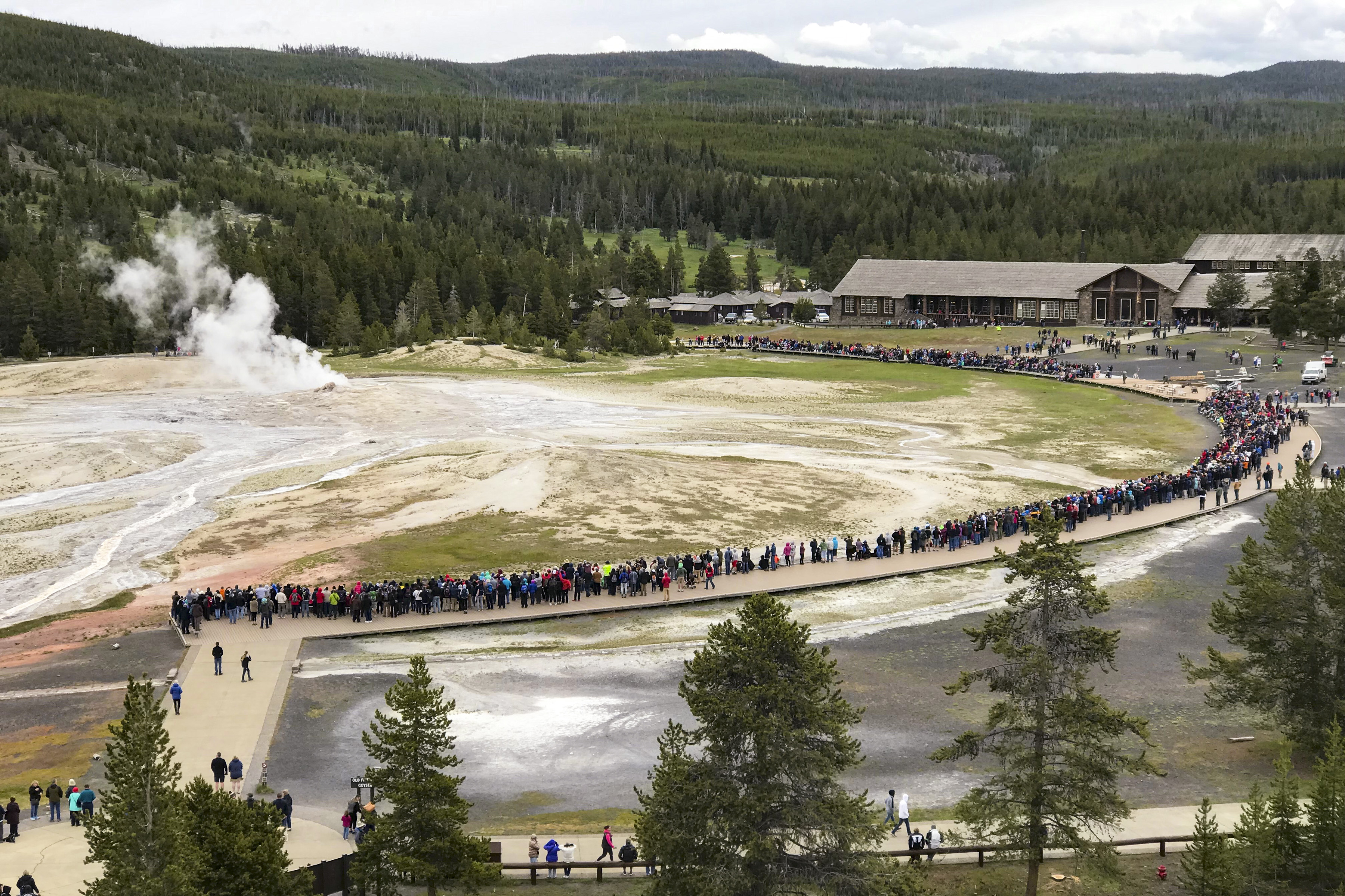 Yellowstone National Park visitation statistics on Memorial Day weekend  2021 - Yellowstone National Park (U.S. National Park Service)