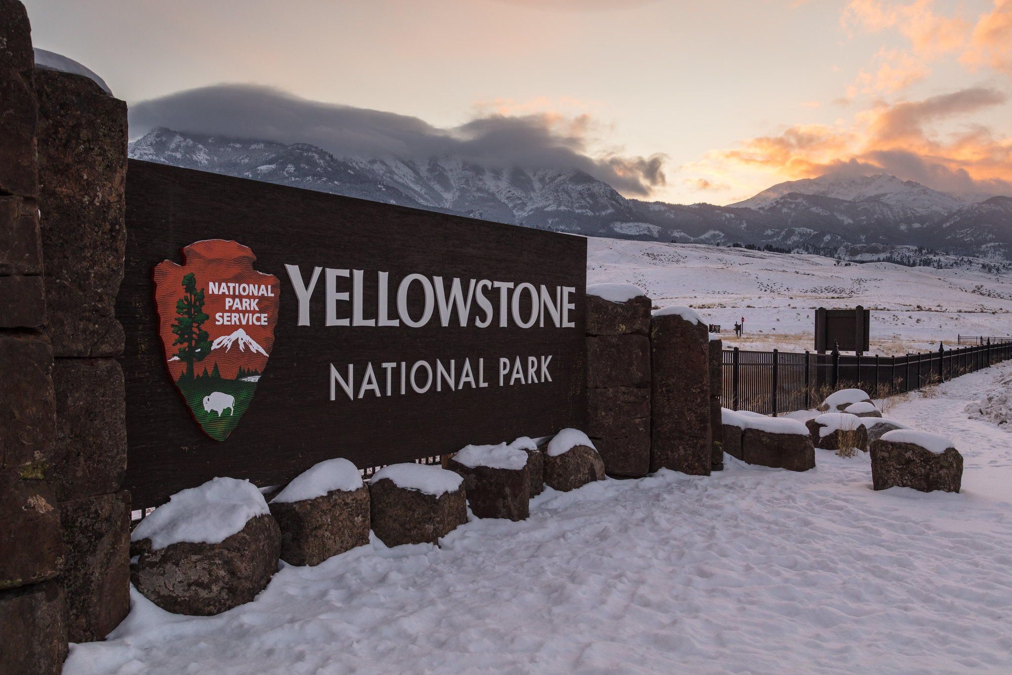sign at entrance to Yellowstone