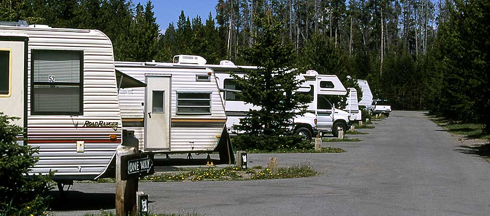Full hookup camping near yellowstone