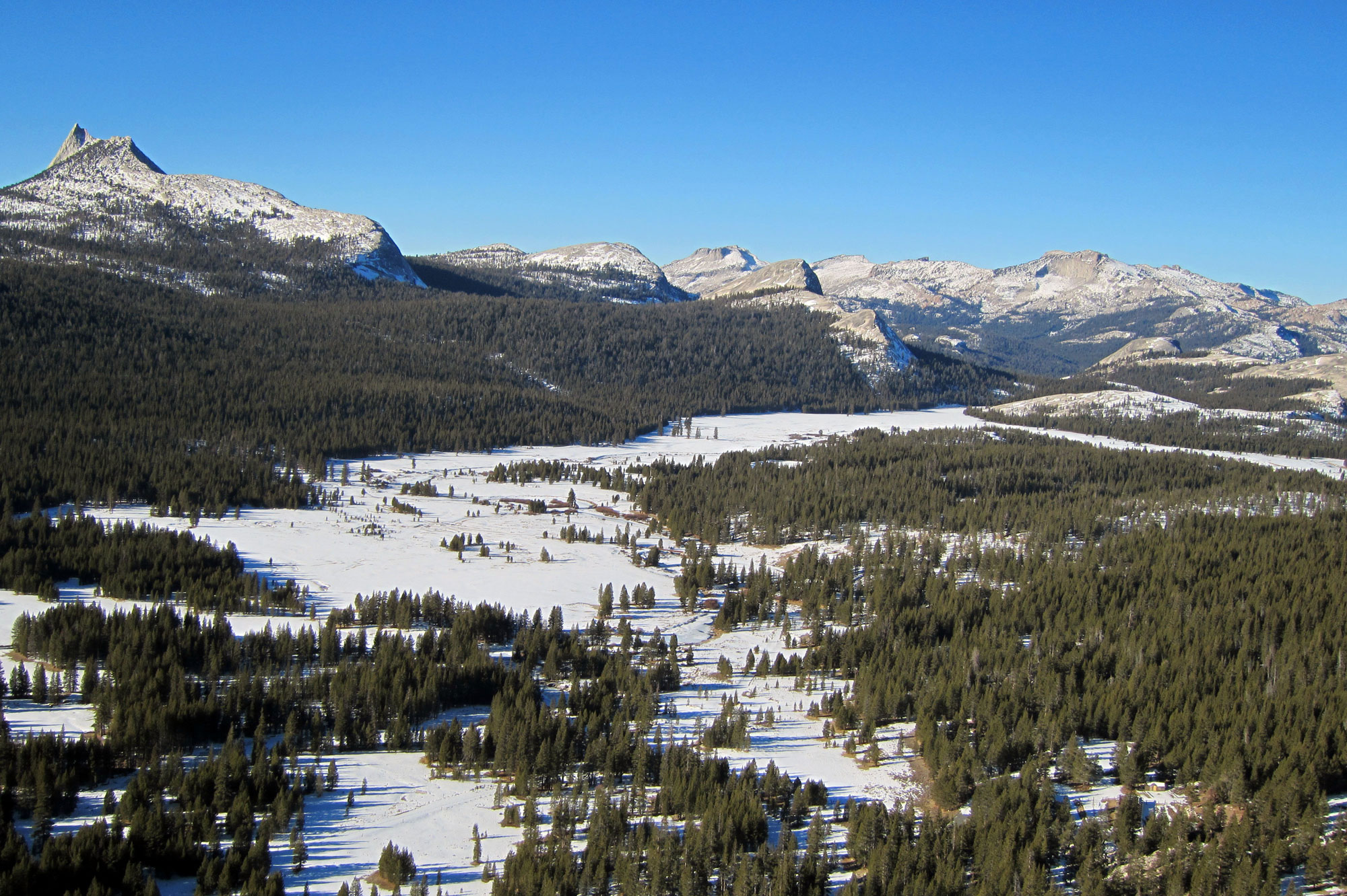 Tuolumne-Meadows-from-Lembert-Dome-on-January-4,-2014