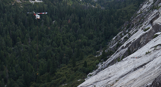 Short-haul in progress to rescue hiker-climbers