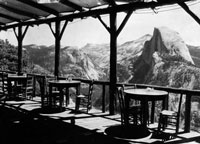 B&W historic photo of Glacier Point cafe
