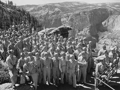 U.S. Army soldiers pose as a group at a Yosemite overlook