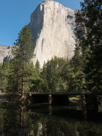 El Capitan rises above the El Capitan bridge