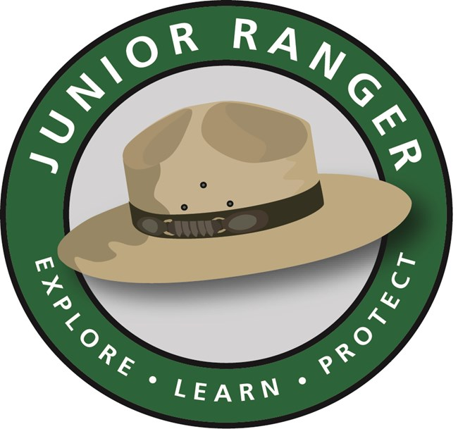 drawing of ranger hat with green circle around it